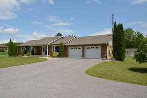 Featured Property in Lakefield, ON K0L 1L0