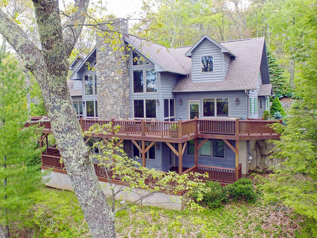 Single Family for Sale at 105 Saddle Ridge Dr Maggie Valley, North Carolina 28751 United States