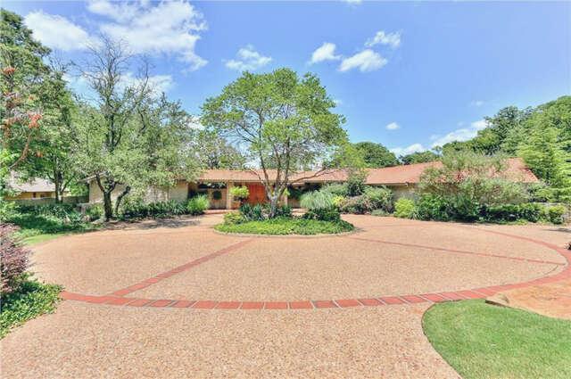 Single Family for Sale at 1001 Oak Tree Road Edmond, Oklahoma 73025 United States