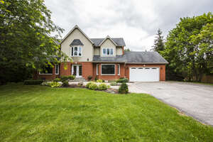 Featured Property in Oro Medonte, ON L0L 2L0