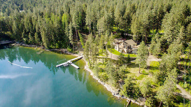 Single Family for Sale at 402 S Coach Ln Coeur D Alene, Idaho 83814 United States