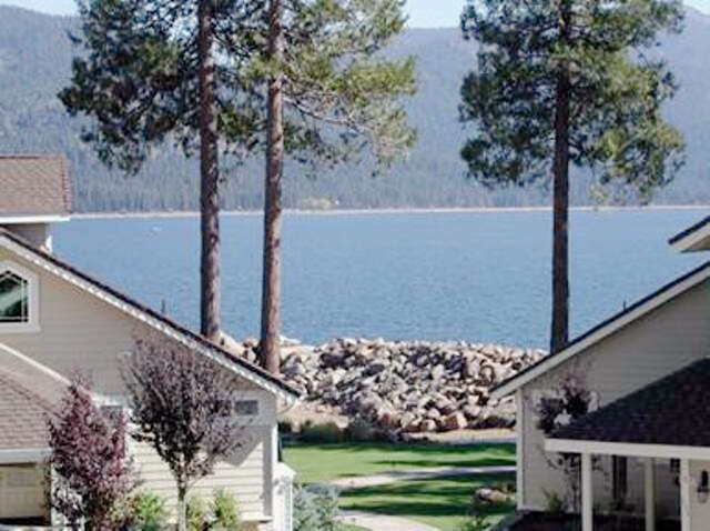 Single Family for Sale at 90 Lakeside Drive Lake Almanor, California 96137 United States