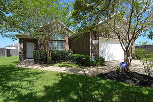 Featured Property in Pearland, TX 77581