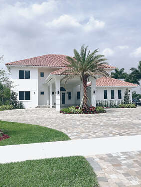Single Family for Sale at 12425 SW 20th St Davie, Florida 33325 United States