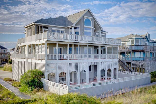 Single Family for Sale at 41375 Ocean View Drive Avon, North Carolina 27915 United States