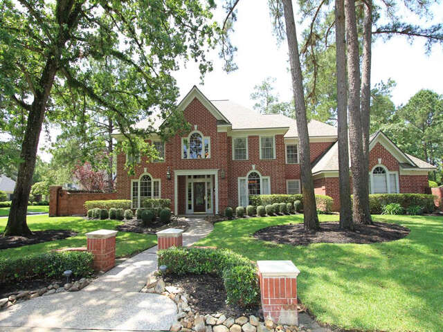Single Family for Sale at 1903 Mount Forest Drive Kingwood, Texas 77345 United States