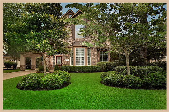 Featured Property in THE WOODLANDS, TX, 77382