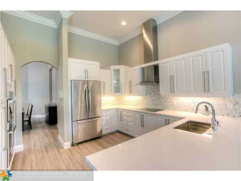 Single Family for Sale at 21 Snowy Owl Ter Plantation, Florida 33324 United States