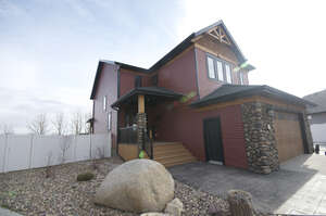 Featured Property in Blackfalds, AB T0M 0B1