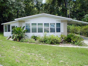 Featured Property in de Leon Springs, FL 32130