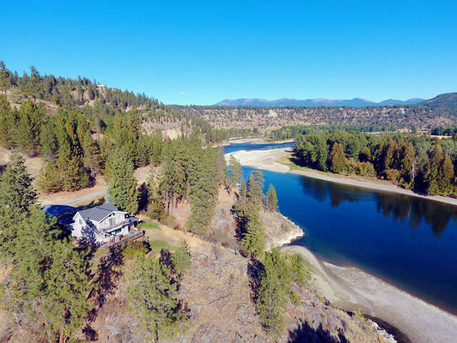 Single Family for Sale at 4146 District Two Rd Bonners Ferry, Idaho 83805 United States