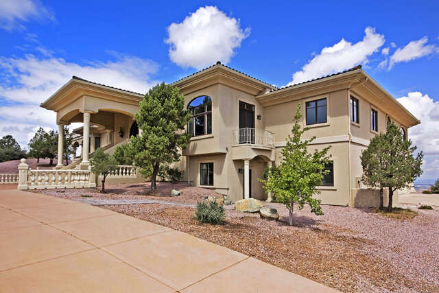 Single Family for Sale at 208 Echo Hills Circle Prescott, Arizona 86303 United States