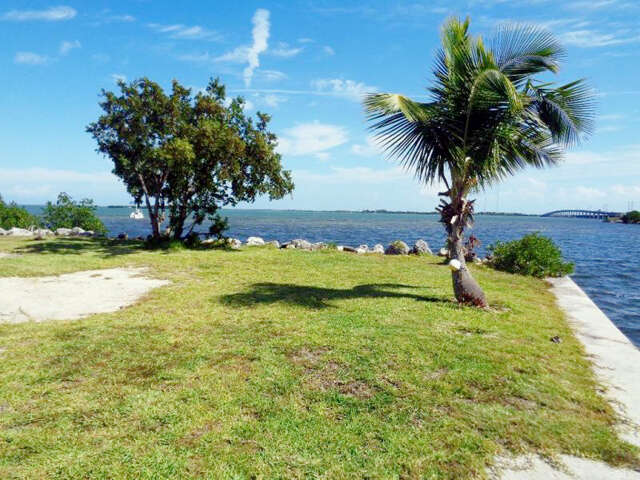 Single Family for Sale at 25132 Northside Drive Sugarloaf Key, Florida 33042 United States