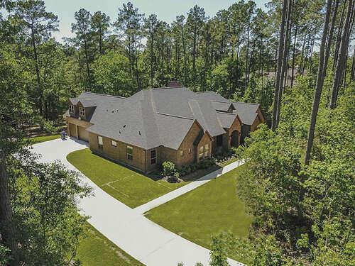 Single Family for Sale at 10227 S Autumn Leaf Circle Magnolia, Texas 77354 United States