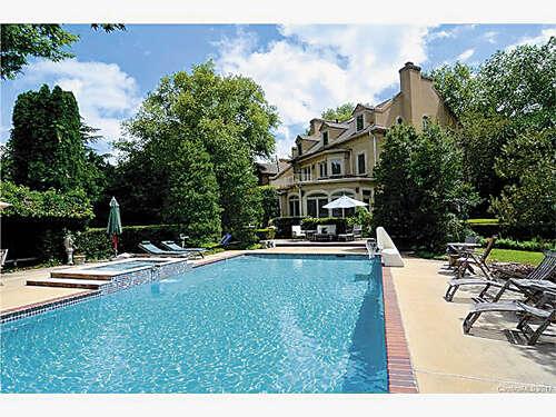 Single Family for Sale at 418 Landsbury Drive Waxhaw, North Carolina 28173 United States