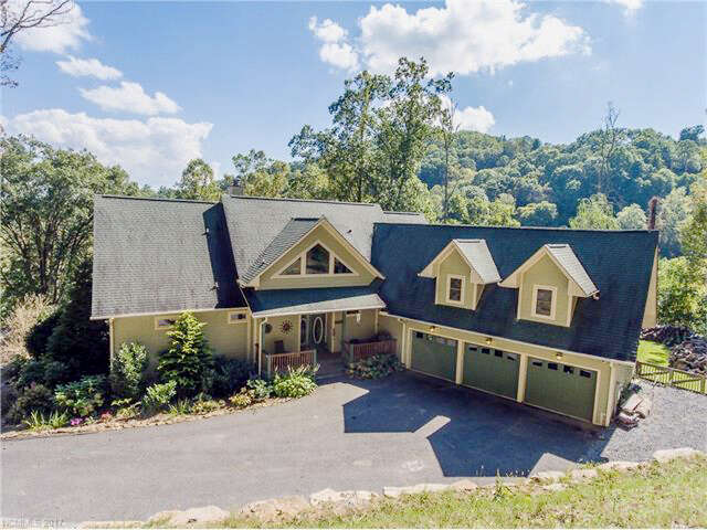 Single Family for Sale at 1128 Coyote Hollow Road Waynesville, North Carolina 28785 United States