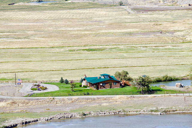 Single Family for Sale at 36 Slippers Ln Cody, Wyoming 82414 United States