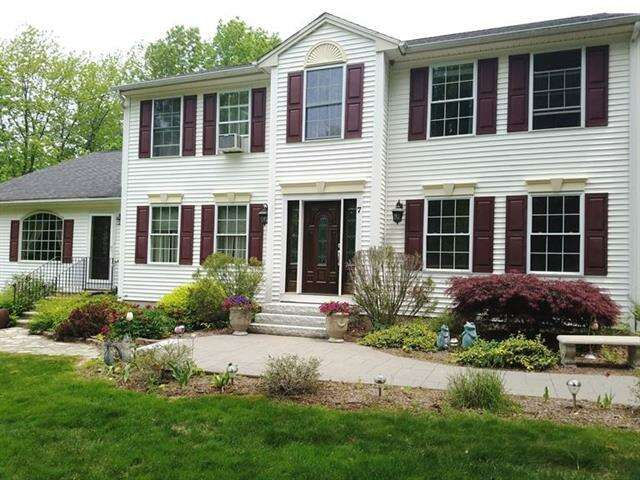 Single Family for Sale at 7 Timber Lane Barrington, New Hampshire 03825 United States