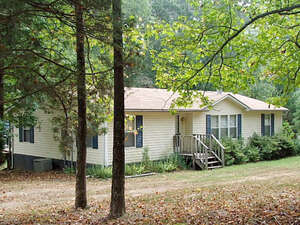 Featured Property in BUFFALO JUNCTION, VA, 24529