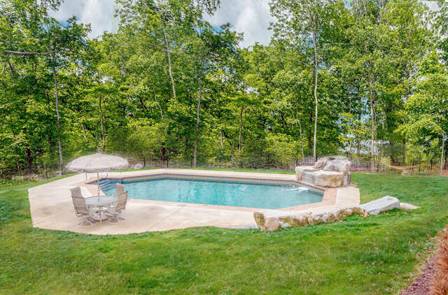 Single Family for Sale at 213 Primrose Way Signal Mountain, Tennessee 37377 United States