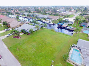 Featured Property in Cape Coral, FL 33904