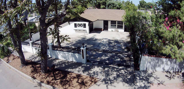 Single Family for Sale at 22553 Clarendon Street Woodland Hills, California 91367 United States