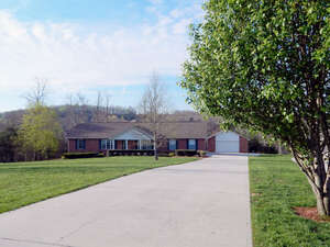 Featured Property in Crossville, TN 38571