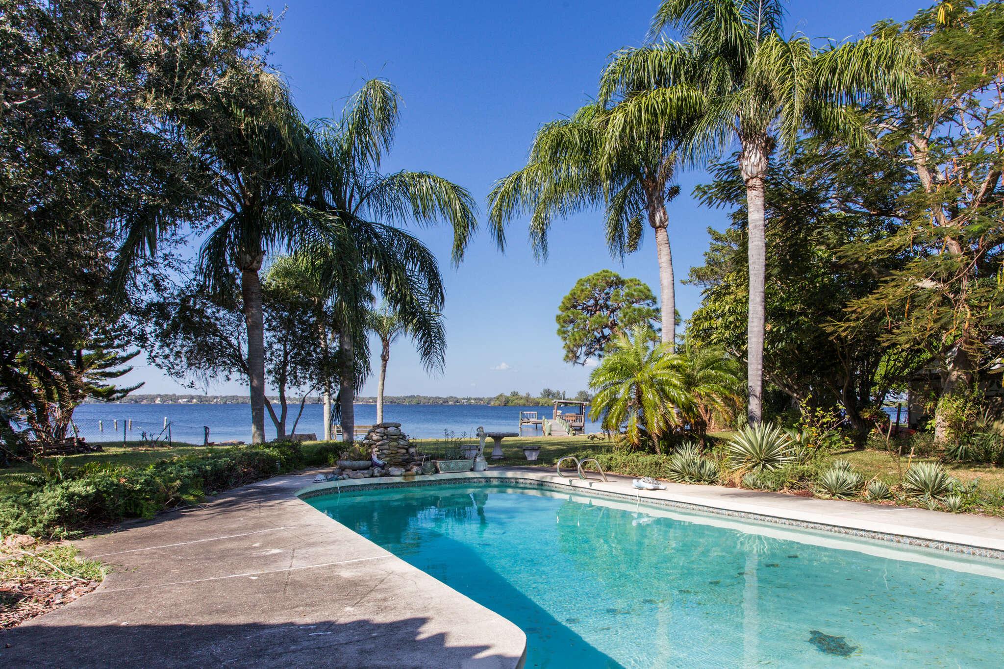 Single Family for Sale at 410 Rio Vista Lane Merritt Island, Florida 32952 United States
