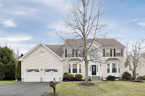 Single Family for Sale at 39 Periwinkle Circle Tinton Falls, New Jersey 07712 United States