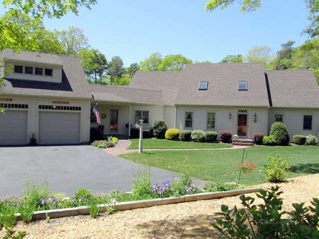 Single Family for Sale at 10 Eagles Nest Road Harwich, Massachusetts 02645 United States