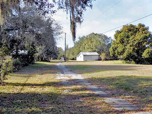 Featured Property in Lakeland, FL 33809