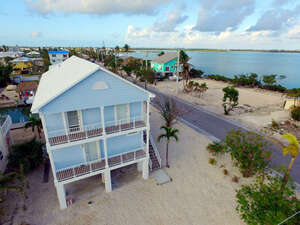 Featured Property in Ramrod Key, FL 33042