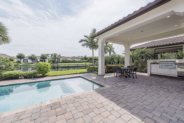 Single Family for Sale at 2224 Residence Cir Naples, Florida 34105 United States