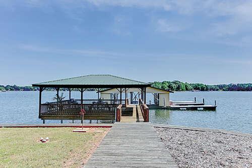 Single Family for Sale at 8040 Summit Ridge Drive Catawba, North Carolina 28609 United States