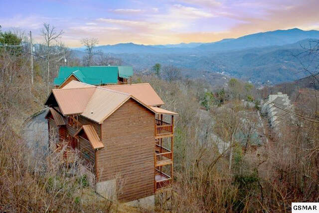 Single Family for Sale at 1183 Ski View Drive Gatlinburg, Tennessee 37738 United States