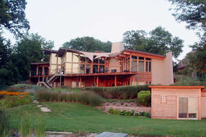 Featured Property in Hartland, WI
