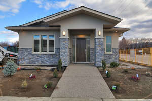 Featured Property in Kelowna, BC V1W 3Z4