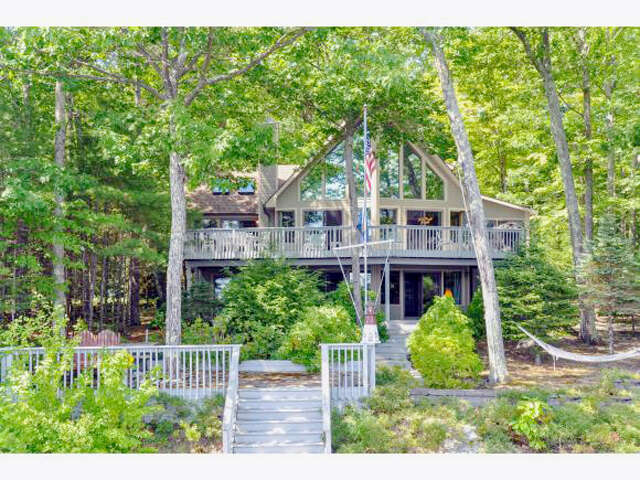 Single Family for Sale at 14 Garnet Point Road Moultonborough, New Hampshire 03254 United States