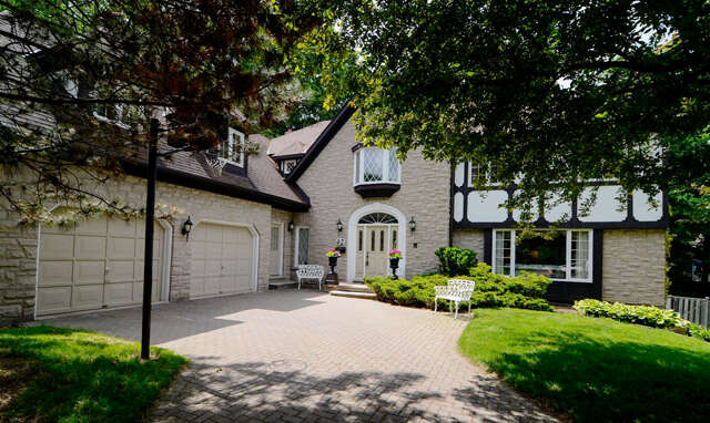 Featured Property in ANCASTER, ON, L9G 2K5