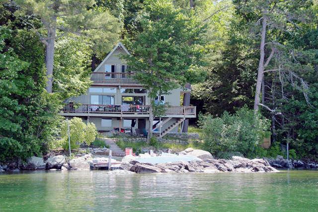 Single Family for Sale at 44 Eaglemere Road Tuftonboro, New Hampshire 03816 United States