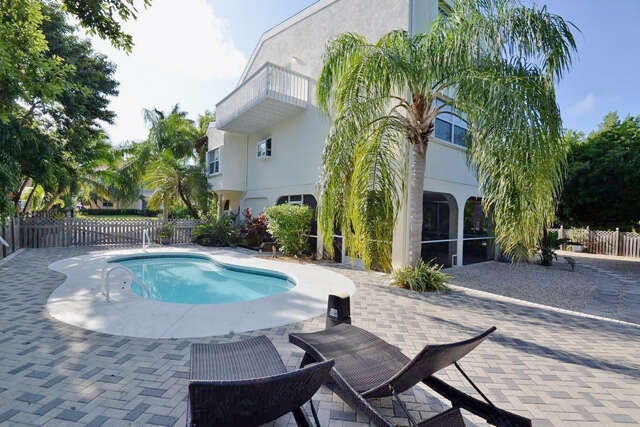 Single Family for Sale at 147 S Indies Drive Duck Key, Florida 33050 United States