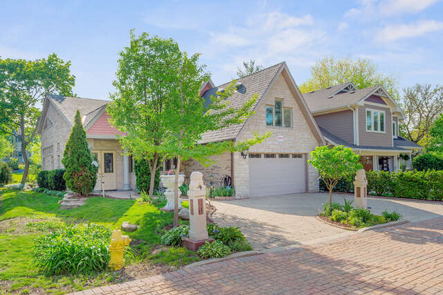 Single Family for Sale at 5234 Farrar Ct Downers Grove, Illinois 60515 United States