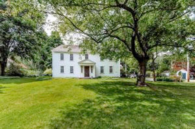Single Family for Sale at 10 Grove Street Sandwich, Massachusetts 02563 United States