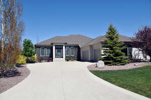 Featured Property in Oakbank, MB R0E 1J2