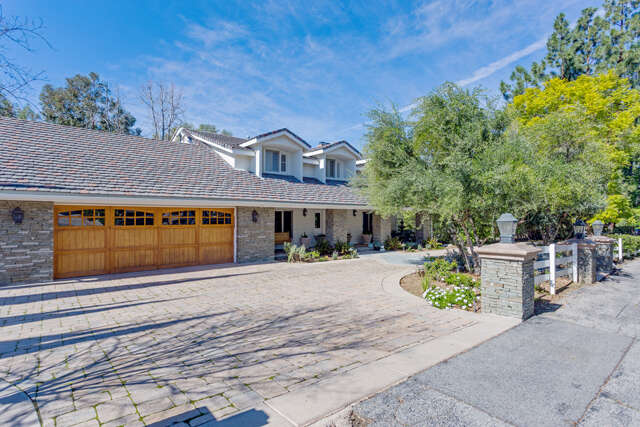 Single Family for Sale at 24944 Jim Bridger Rd Hidden Hills, California 91302 United States
