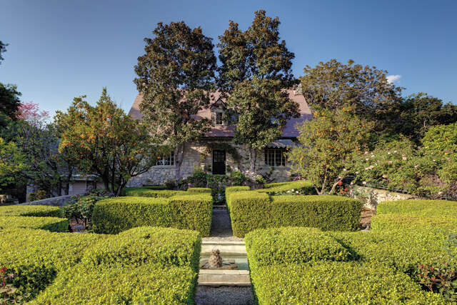 Single Family for Sale at 5026 Castle Road La Canada, California 91011 United States