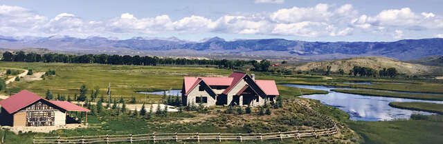 Single Family for Sale at 139 Steele Ln Boulder, Wyoming 82923 United States