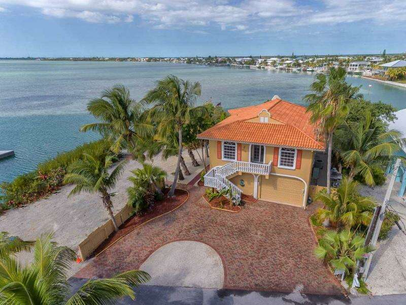 Single Family for Sale at 818 Bay Drive Summerland Key, Florida 33042 United States