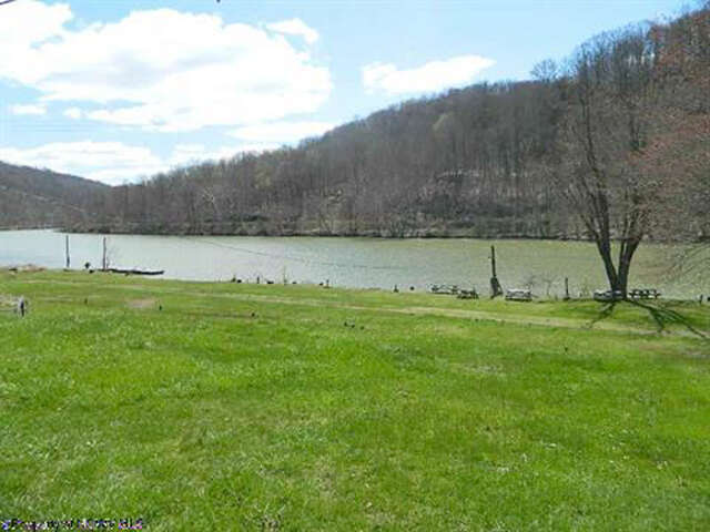 Single Family for Sale at 511 Flaggy Meadow Road Morgantown, West Virginia 26501 United States