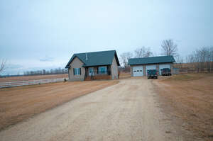 Featured Property in Lacombe County, AB T4L 2N4